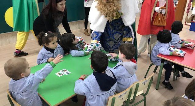 Los Reyes Magos visitan Infantil