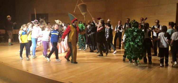 Folclore en el Auditorio para 3º de Primaria