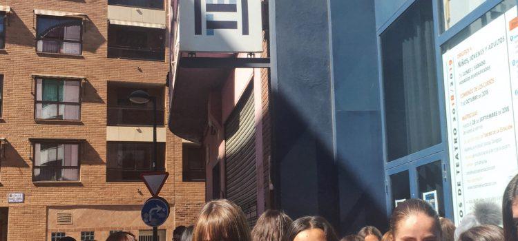 """""""Soñar dentro del espejo"""" en el Teatro de la estación: 3º Secundaria."""